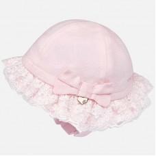 Стильная шапка для новорожденной девочки