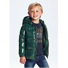 Куртка-лаковая  на мальчика Mayoral (Майорал) зеленого оттенка