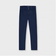 Базовые брюки slim fit для мальчика  Mayoral (Майорал) синего оттенка