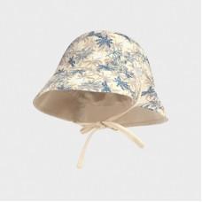 Двусторонняя льняная шапка для мальчика Mayoral (Майорал) бежевого оттенка