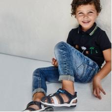 Базовые джинсы облегающего кроя для мальчика Mayoral (Майорал) синего оттенка