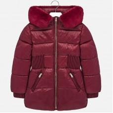 Зимняя куртка на девочку Mayoral (Майорал) бордового оттенка