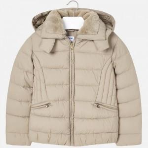 Демисезонная куртка на девочку Mayoral (Майорал) бежевого оттенка