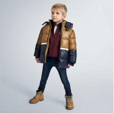 Комбинированная стеганая куртка для мальчика Mayoral (Майорал) горчичный оттенок
