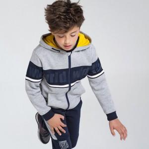 Спортивный костюм на мальчика Mayoral (Майорал) серого оттенка