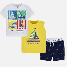 Комплект из трех предметов для мальчика, состоящий из двух футболок и шорт